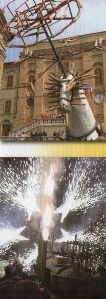 Folklore a Ripatransone con il Cavallo di Fuoco