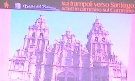 Marchigiani in viaggio verso Santiago sui trampoli