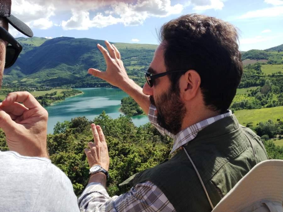 Neri Marcorè al Lago di Fiastra per la nuova campagna di promozione turistica