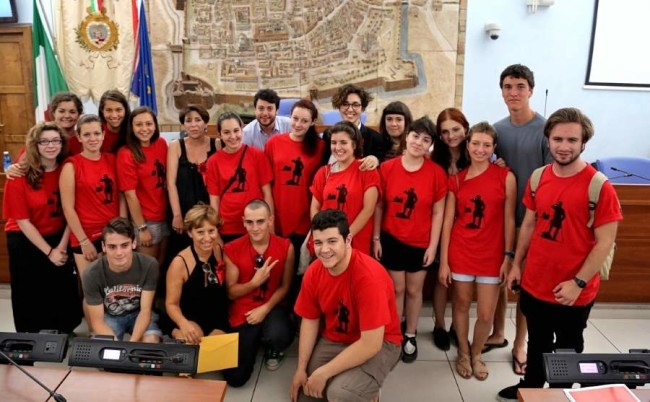 Popsophia, alcuni dei volontari con Lucrezia Ercoli