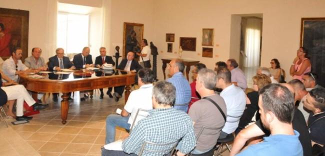 04_08_2014_Giunta Reg.le ad Ascoli P., incontro con i sindacati dell' ex Coalac
