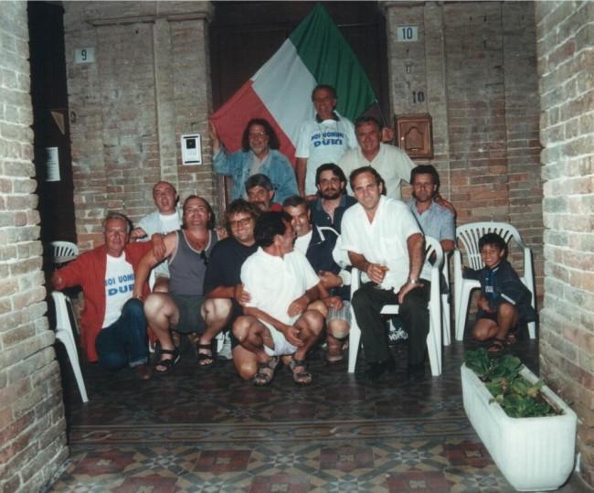 Cossignano_Uomini Duri  - estate 2000 © www.ilmascalzone.it