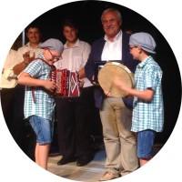i vincitori della Corrida 2014 Roberto e Luca insieme al sindaco Domenico D'Annibali