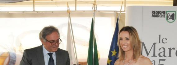 Schermaglie tra Gian Mario Spacca e Valentina Vezzali