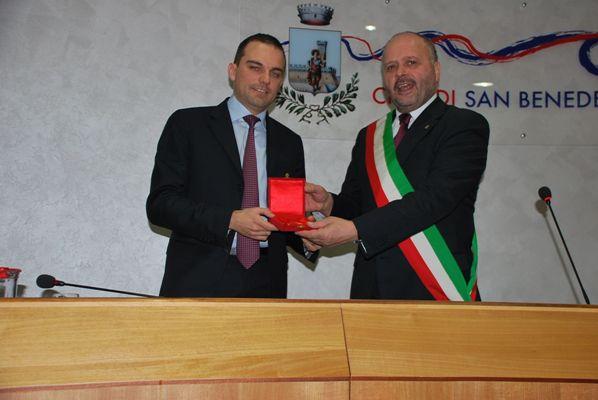 """Consegnato il Premio """"Truentum"""" ad Andrea Novelli"""