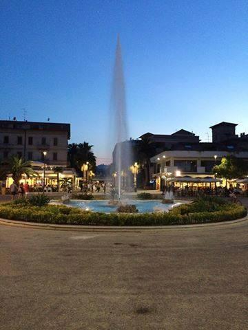 fontana di Piazza Giorgini