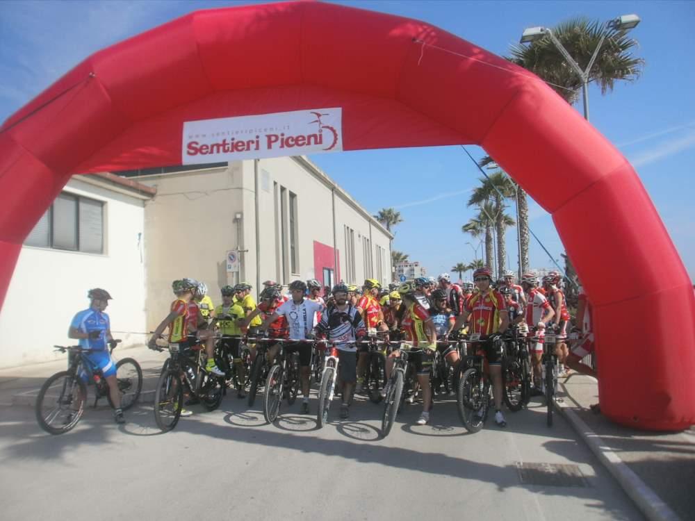 Grande successo per la cicloturistica Dea Cupra