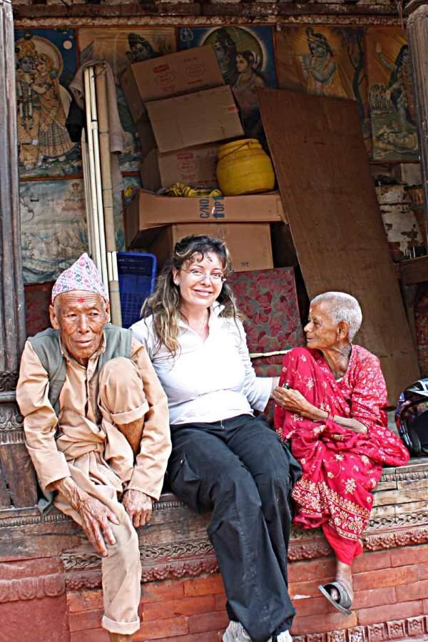Raffaella Milandri porta gli aiuti in Nepal