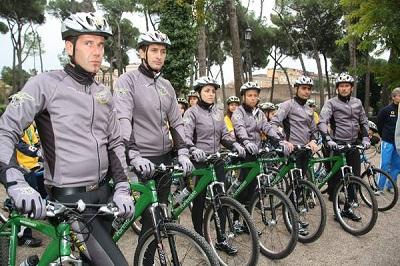 Agenti della Forestale in bicicletta sulla costa teramana. Il plauso del CCiclAT