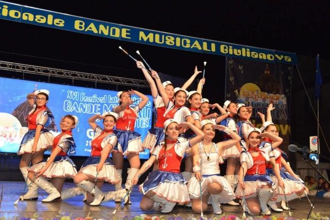 majorettes sul palco