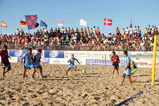 Beach Soccer, Happy Car Samb – Milano 11-12 dcr (1-0, 4-1, 1-5, 0-0)