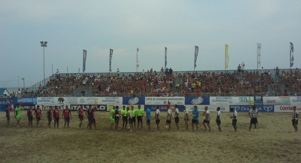 Beach Soccer, Viareggio – Happy Car Samb 3 a 2