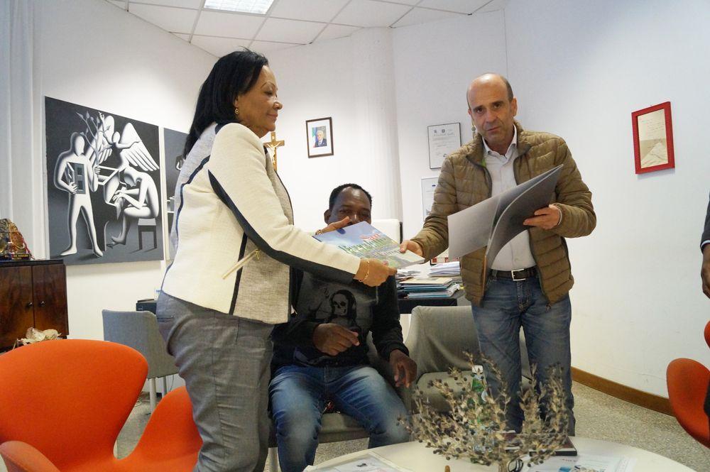 Ricevuta in Comune una delegazione dell'Angola