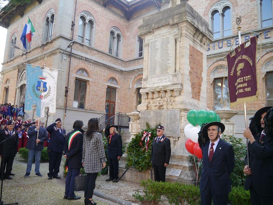 IV novembre, la Città intera celebra la pace