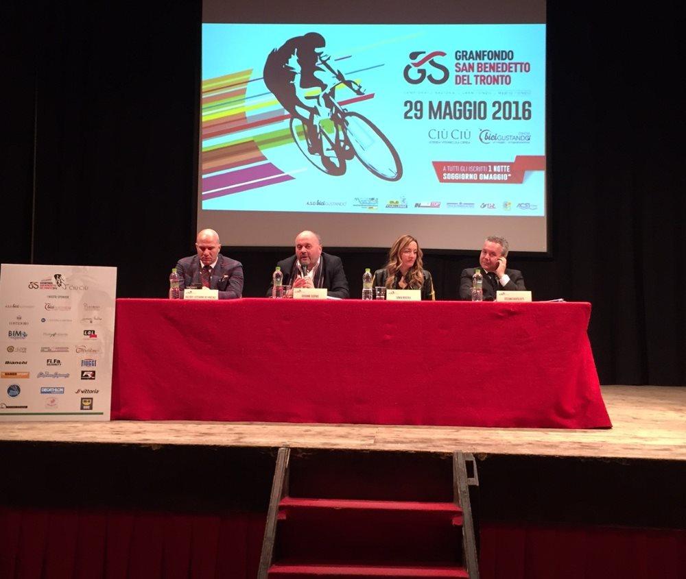 Ciclismo, presentata la Granfondo di San Benedetto al Teatro Serpente Aureo di Offida