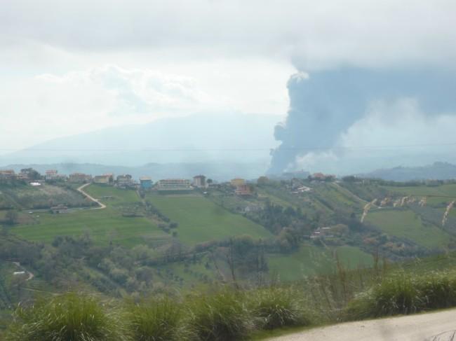 2016-03-29 - incendio di vaste proporzioni alla Italpannelli