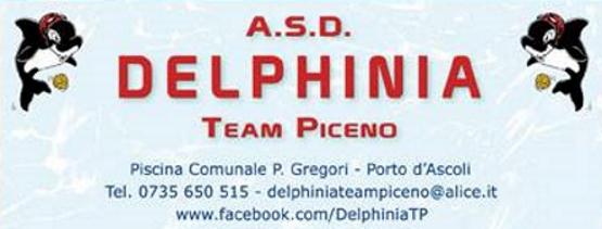 Ricco bottino di medaglie per i piccoli nuotatori della Delphinia