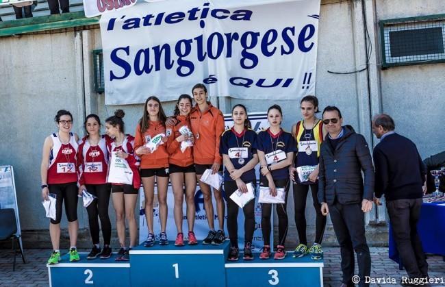 Le Cadette campionesse Regionali nella Campestre 3 x 1000