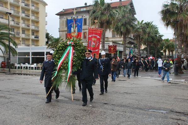 Festa della Liberazione, deposte le corone sui monumenti ai caduti