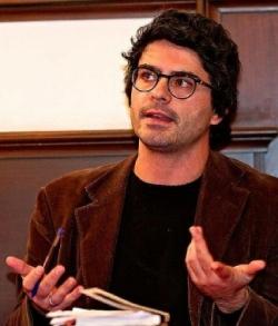 """Flavio Santi, """"La primavera tarda ad arrivare"""" al Teatro dell'Arancio"""