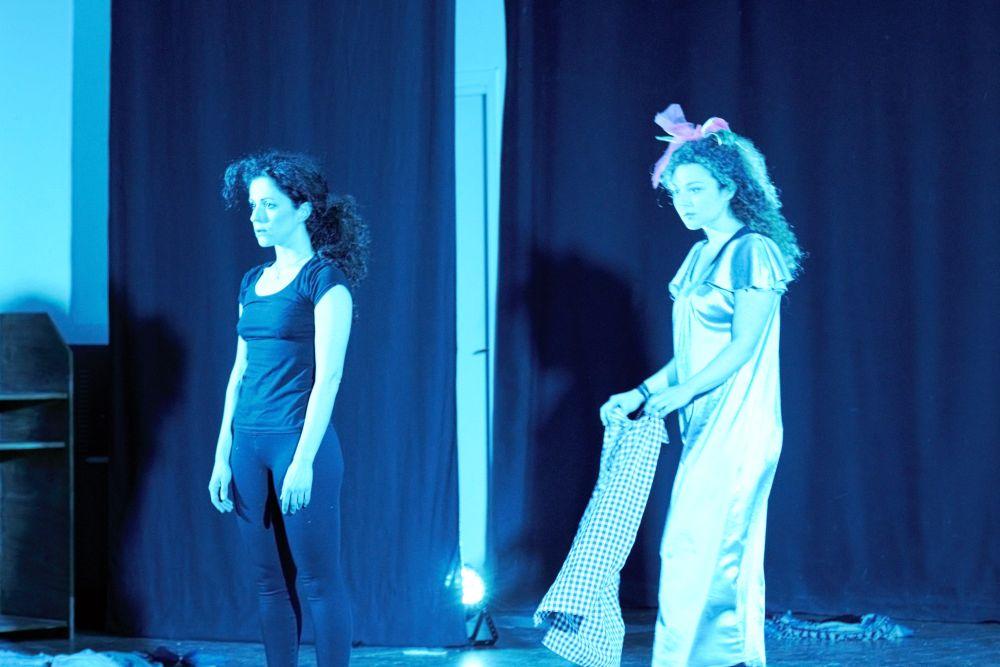 Teatro in Pdf, straordinario successo di 'Per una A'