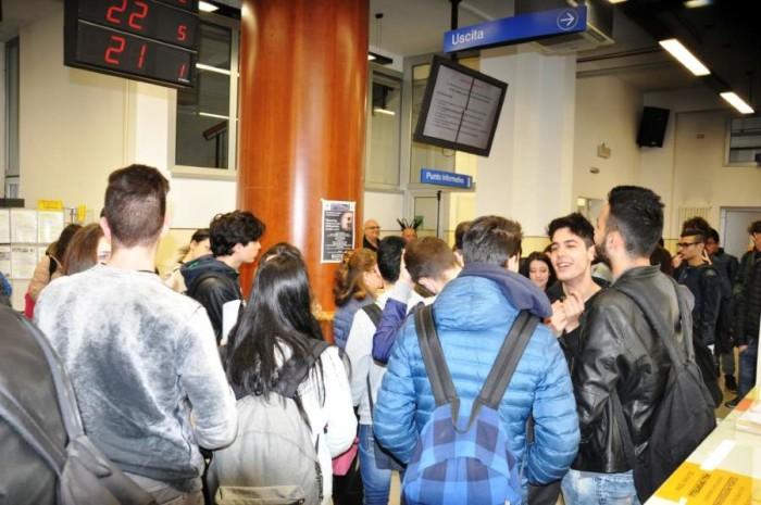 """Gli studenti dell'Istituto """"Umberto I"""" in visita al Centro per l'Impiego"""