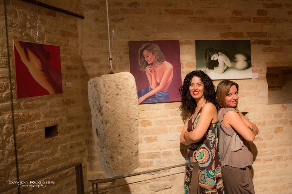 """La """"Femminilità"""" di Giusy e i """"Paesaggi"""" di Milena in mostra al Torrione"""