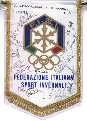 FISI_gagliardetto_autografi atleti CdM in preparazione estiva nel 2005 a SBT A. Rieder, M. Blardone, P. Fill, A. Schieppati, D. Simoncelli, M. Deflorian e il direttore tecnico F.Roda