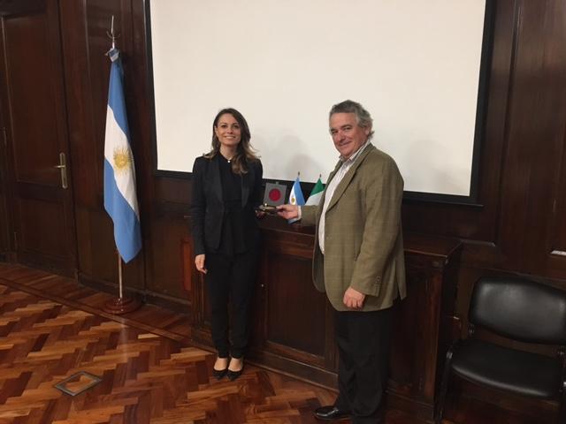 l'Assessora Manuela Bora con il Vice Ministro dell'Industria Carlos Pallotti