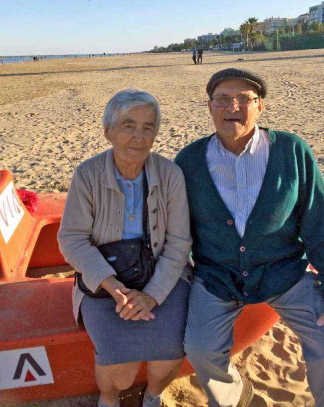 Alberto e Nazzarena sfollati  sulla spiaggia di San Benedetto