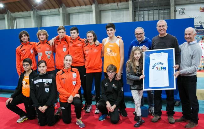 Il Presidente Ruggieri riceve il Trofeo FANTASTIC TEAM 2016