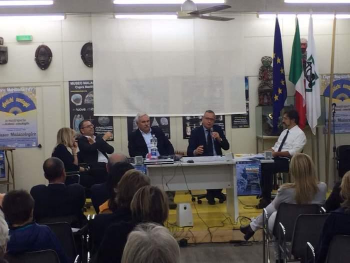 """progetto di """"pulizia dei fondali marini"""" promossa dalla fondazione Angelo Vassallo Sindaco Pescatore"""