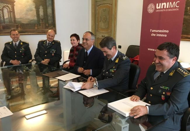 Adornato - Carozza: firma accordo 19 dic 2016