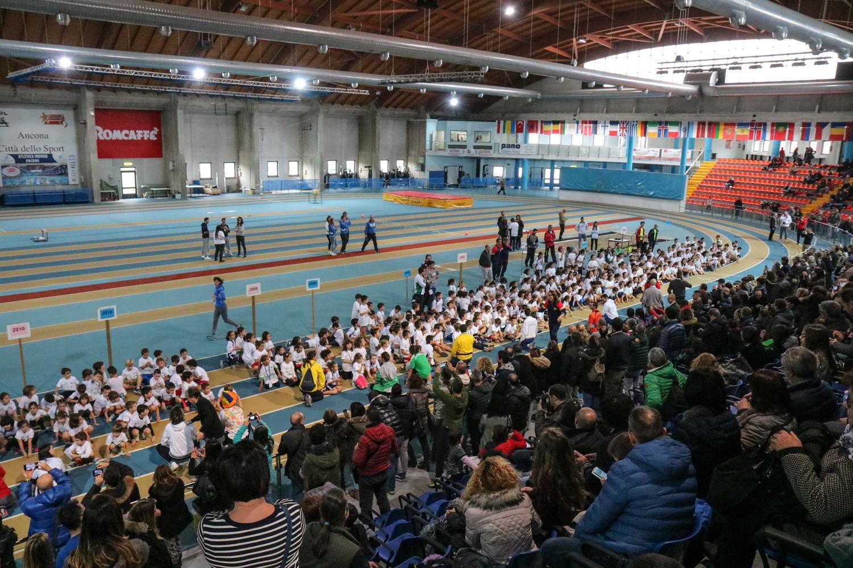 Atleticando: sport e solidarietà con i giovanissimi al Palaindoor