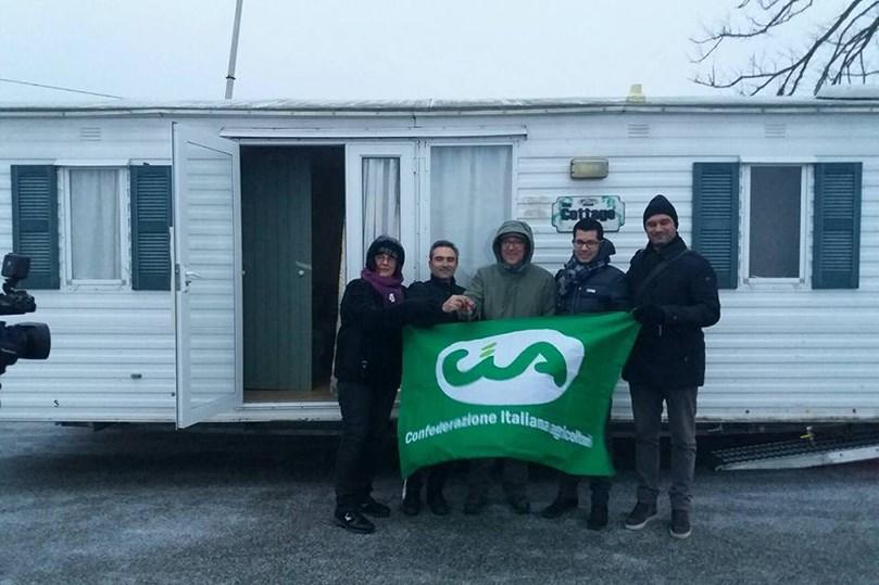 Donate altre case mobili a due famiglie di Camerino