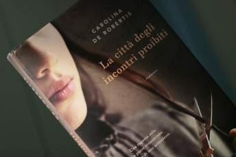 Carolina De Robertis, La città degli incontri proibiti