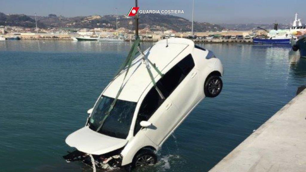 Incidente al porto: le immagini