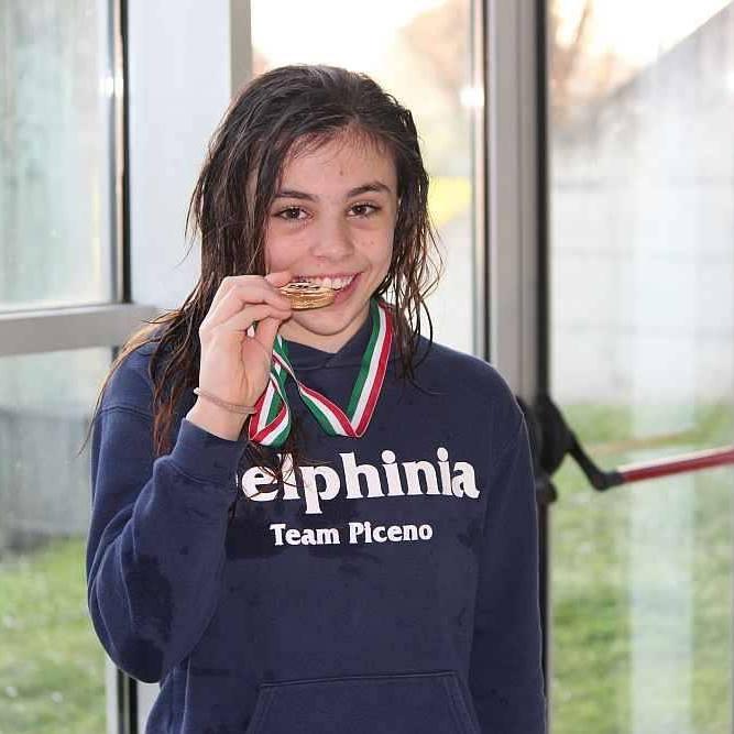 """Oro e argento ai Campionati italiani di nuoto per la """"farfalla"""" offidana"""