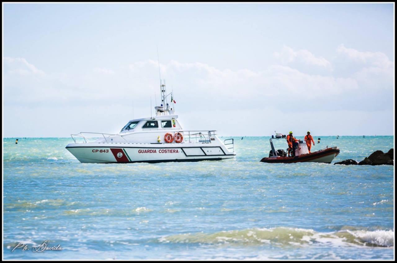 La Guardia Costiera soccorre un diportista in difficoltà
