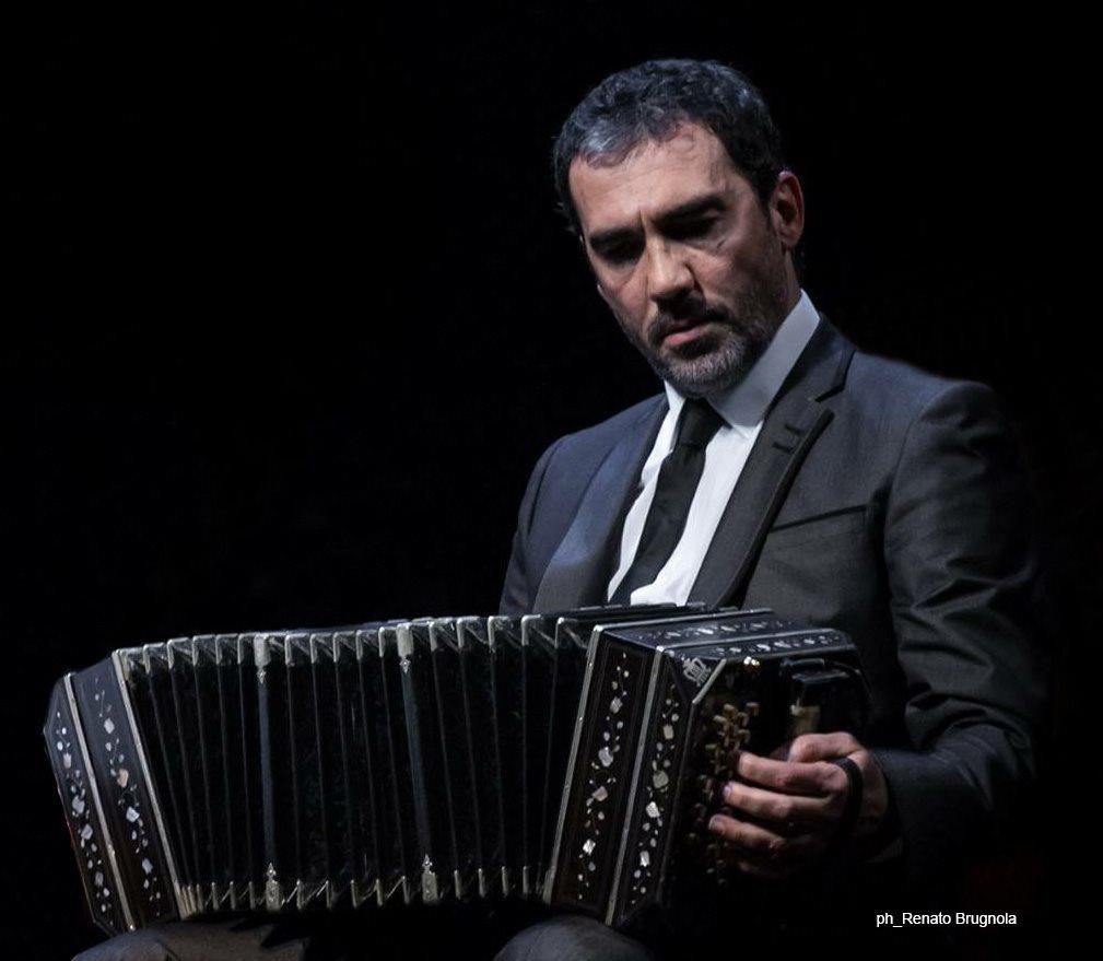 L'omaggio al tango appassionante di Piazzolla