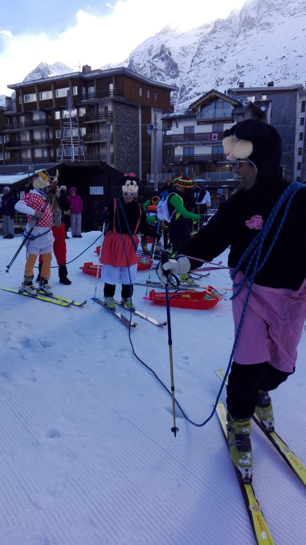 """Trofeo """"Mezzeseghe"""", la gara goliardica di sci-alpinismo più pazza del Cervino"""