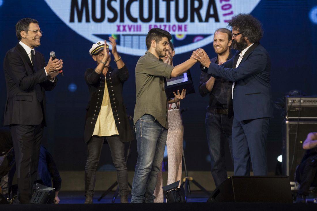 Mirkoeilcane trionfa a Musicultura