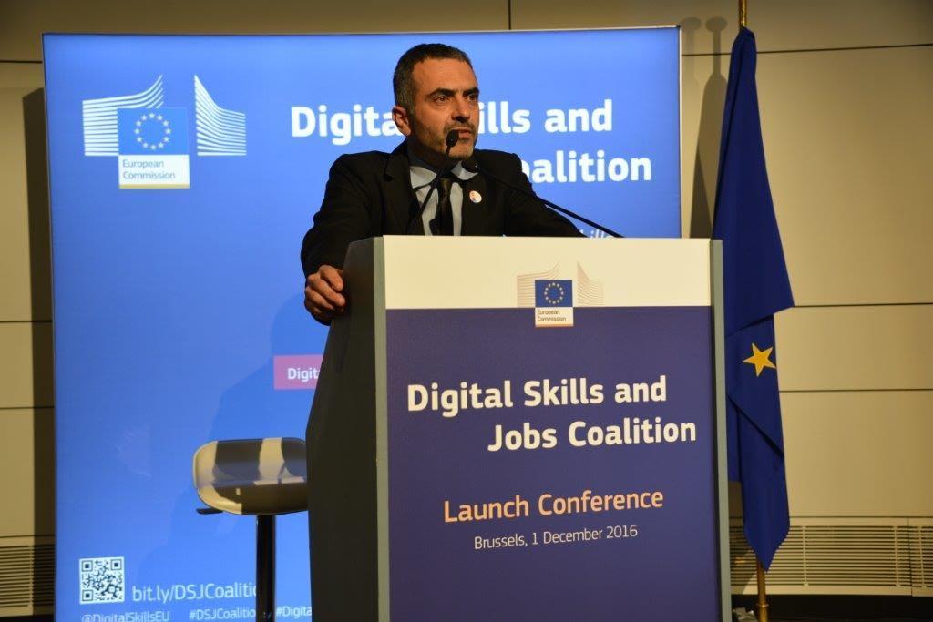Il professor Alessandro Bogliolo di UniUrb nel comitato direttivo della coalizione europea per le competenze digitali e il lavoro
