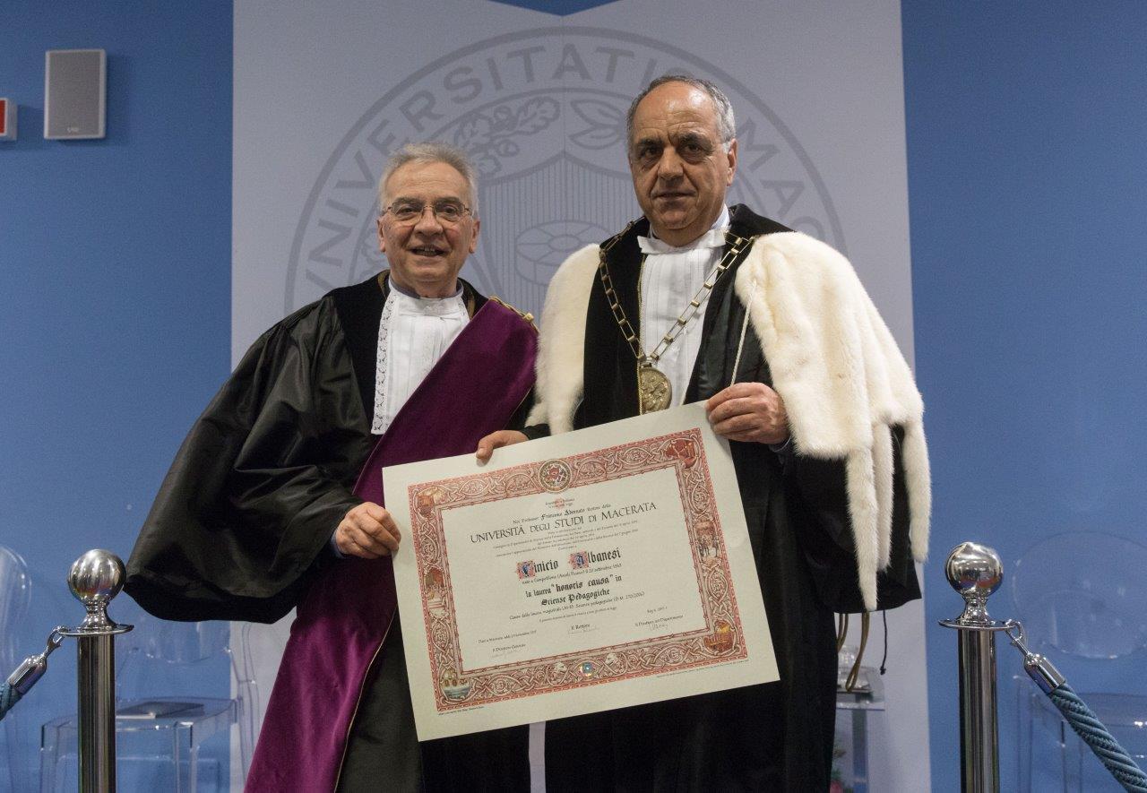 La lezione di Don Vinicio Albanesilaureato honoris causa in pedagogia