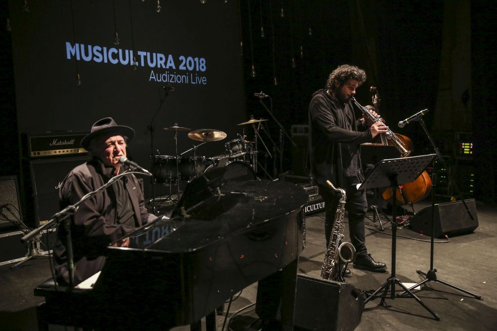 Mimmo Locasciulli incanta Musicultura