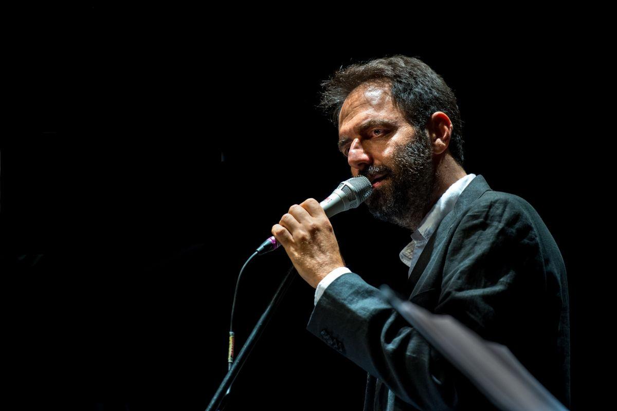 """Neri Marcorè con gli GnuQuartet, """"Come una specie di sorriso"""" @ Teatro delle Api"""