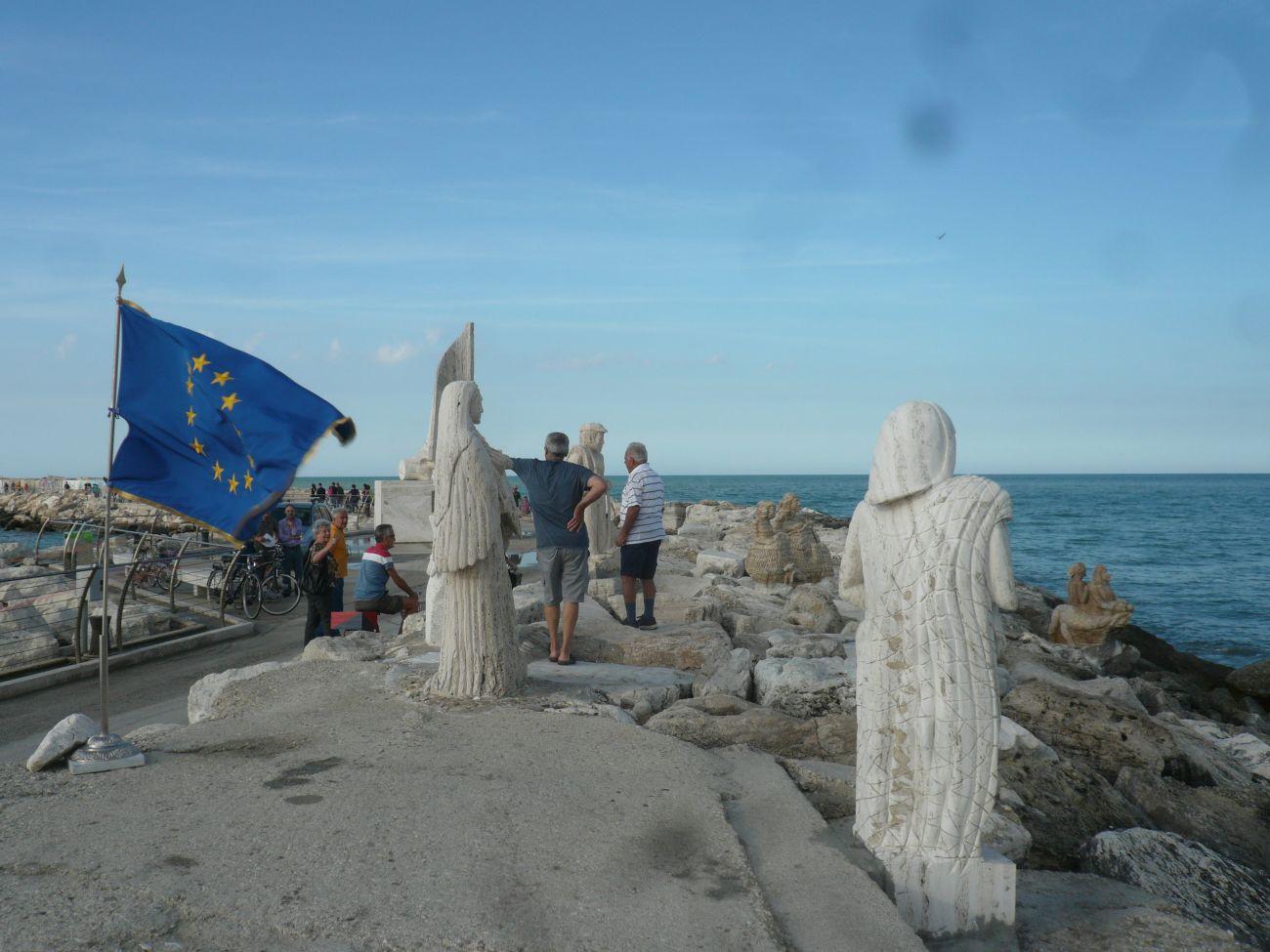 """Giuseppe Straccia, Fuori """"Festival dell'Arte sul Mare"""" e il patrocinio del Parlamento Europeo"""