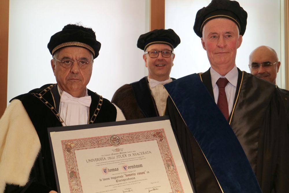 Thomas Vormbaum, laureato honoris causa dall'UniMc