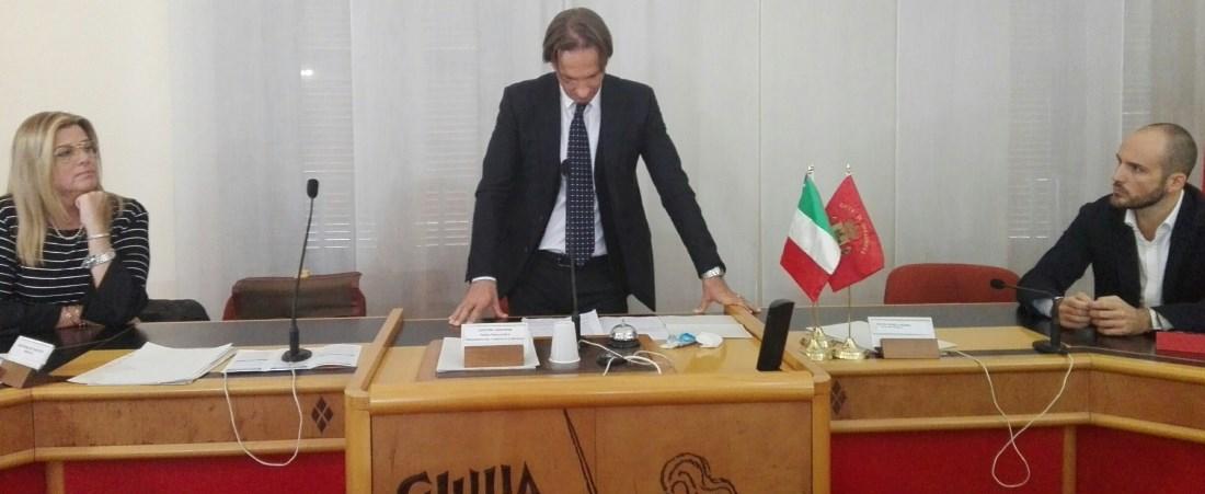 Giulianova, il sindaco Francesco Mastromauro si dimette