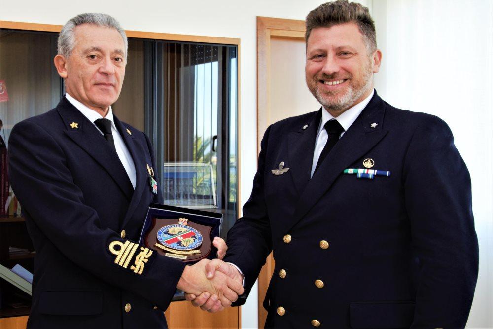 L'Ammiraglio Giovanni Pettorino  visita la Capitaneria di Porto